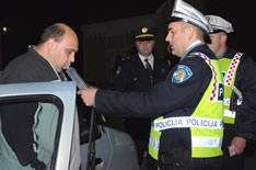 081110-policija-kontrolira-vozace-m