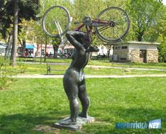 090414-bicikl-na-kipu-m
