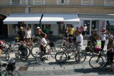 090829-biketour2-m