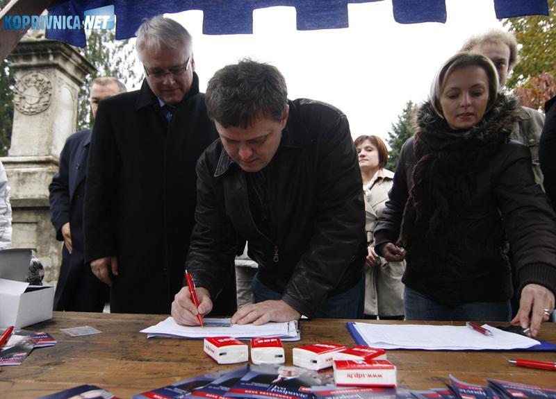 Podršku kandidaturi Ive Josipovića za predsjednika dao je i koprivnički gradonačelnik Zvonimir Mršić. Snimio: Marijan Sušenj