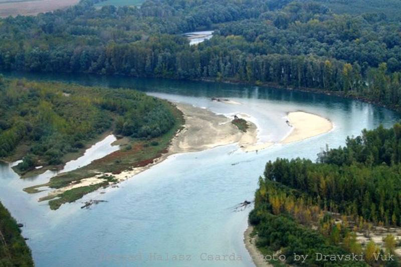 Ekolozi tvrde da bi ušće Mure u Dravu vrlo lako uskoro moglo izgledati u potpunosti drugačije. Snimio: Dravski vuk