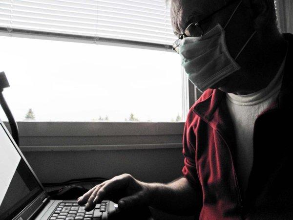 Moja obrana od zaraza svih vrsta, osobito od kompjutorskih virusa // Sam sebe snimio autor kolumne