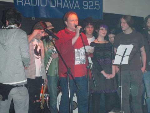 Milivoj Štefanec na kraju je zapjevao sa savim izvođačima //  Snimila Petra Štefanec