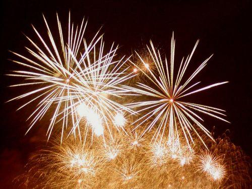 Magičan prozor plamtećeg neba neizostavan je dio novogodišnjeg slavlja // Izvor: Croatia-pirotehika web