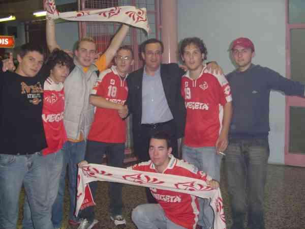 S Red roostersima u Domu sportova, 2004. god. //  Autor nepoznat