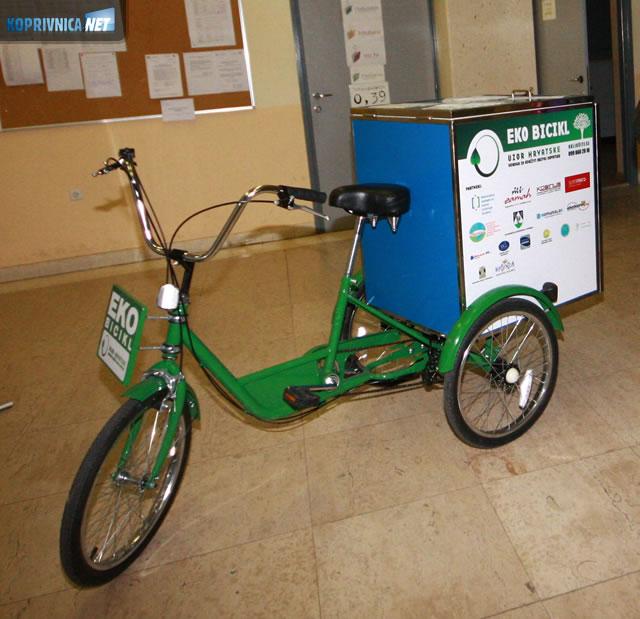 Stari papir odvozit će se u eko biciklima; Foto: Ivan Brkić