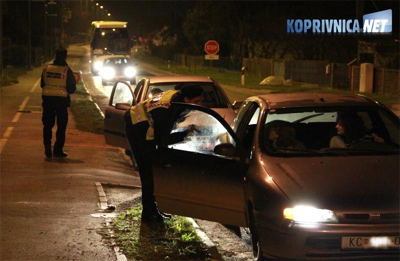 Policija zaustavlja sva vozilia na izlazima iz Koprivnice // foto: Ivan Brkić