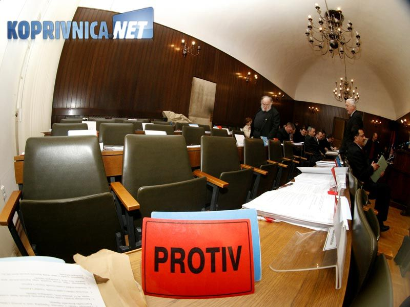 ...Vijećnici SDP-a i HNS-a napustili su skupštinu // Foto: Ivan Brkić
