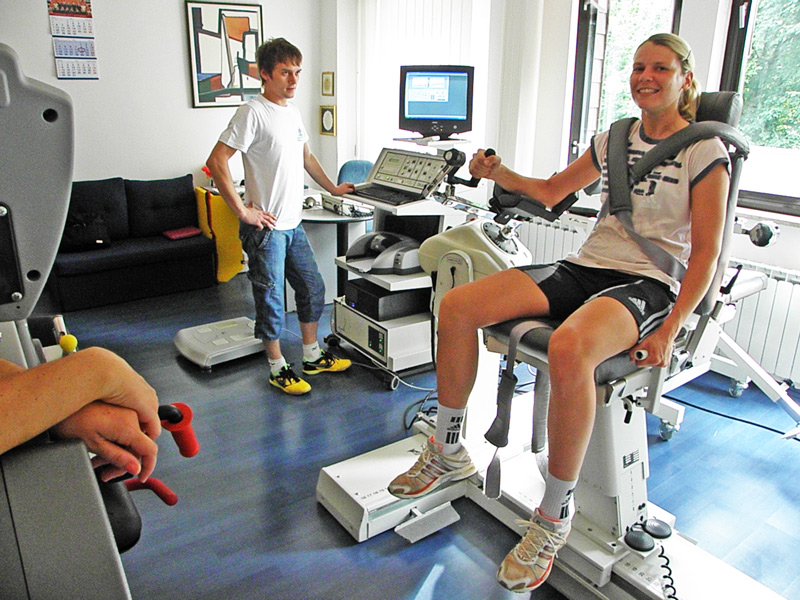 Lidija Horvat na biodeksu; fizioterapeut je Daniel Santo
