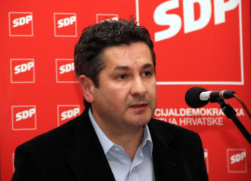 Dogradonačelnik Dražen Pros rekao je da je povjerenstvo na terenu i da nema mjesta panici