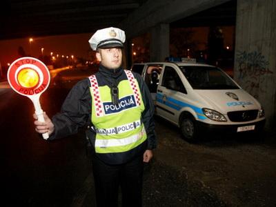 Od četvrtka do nedjelje policija je iz prometa isključila 40 vozača i 17 vozila // foto: Ilustracija