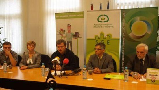 Prilikom otvaranja Mršić je naglasio kako je naš grad među prvima potpisao Povelju o energetskoj učinkovitosti // foto: koprivnica.hr