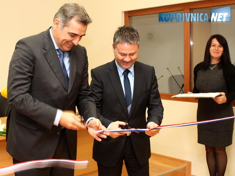 Nadan Vidošević i Miroslav Vitković zajedno su utvorili nove prostorije // foto: Ivan Brkić