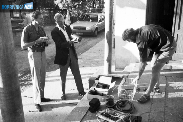 Jim i John Merritt provjeravaju ostatke B-24