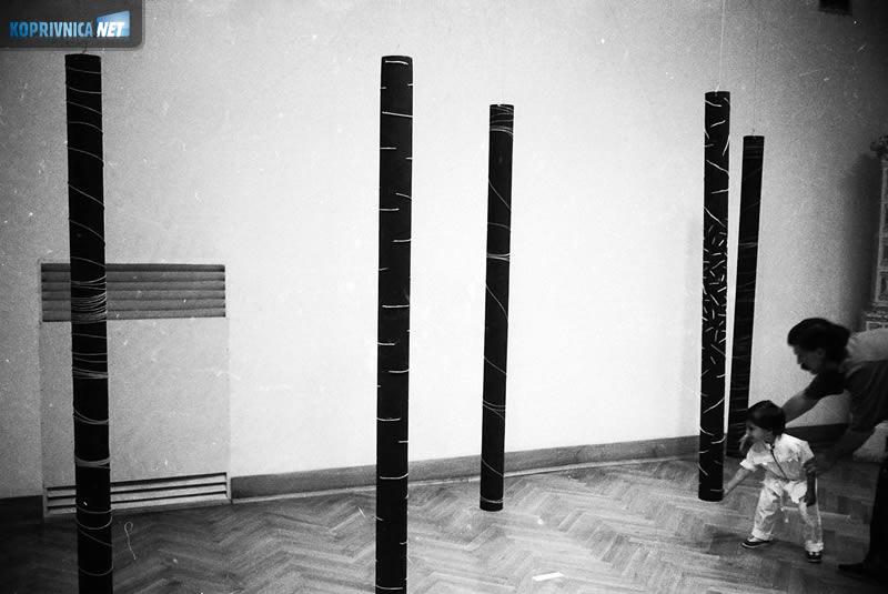 Život Galerije: izložba instalacija u vremenu o kojem pišemo