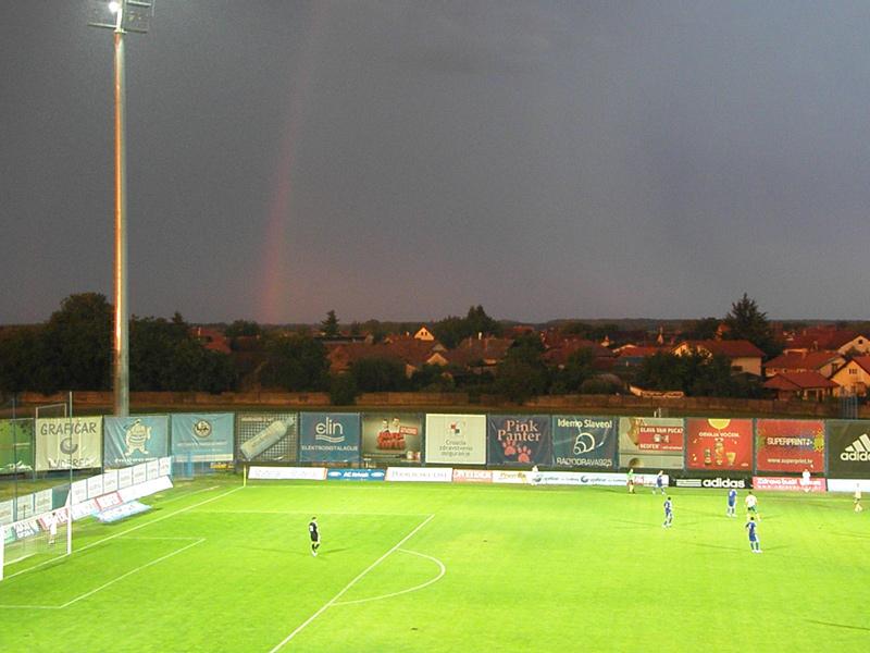Duga nad stadionom // Foto Ivo Čičin-Mašansker