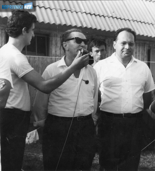 Snimanje otvorenja kajakaškog natjecanja na Šoderici. Govori predsjednik SSRN-a Valent Ambrošić, do njega g. Kelbl