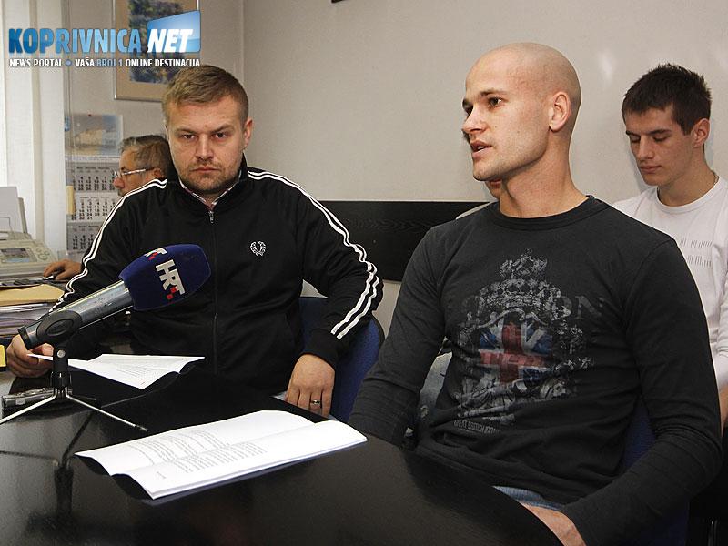 Glasnogovornik kluba Karlo Eissenbeiser te predsjednik i trener Vinko Peharda // Foto: Koprivnica.net