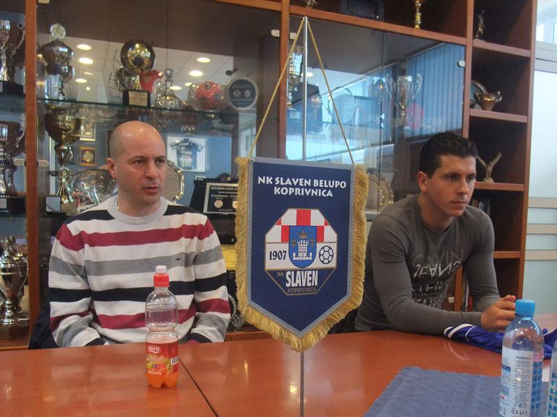 Roy Ferenčina i Igor Jugović na konferenciji za novinare u Slavenu Belupu // Foto: Koprivnica.net
