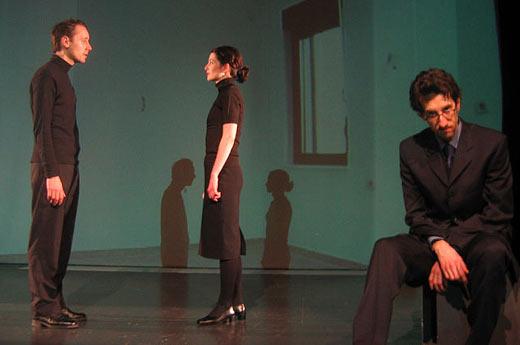 "Detalj iz predstave ""Pas, žena, muškarac"" // foto: teatarexit.hr"