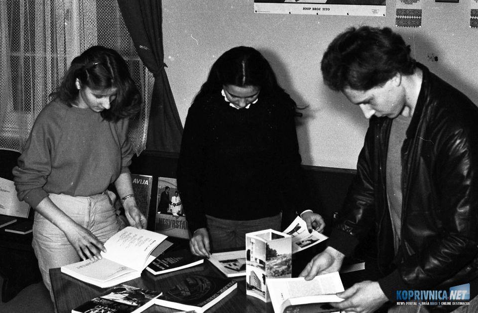 Izložba knjiga, novina i časopisa iz Koprivnice