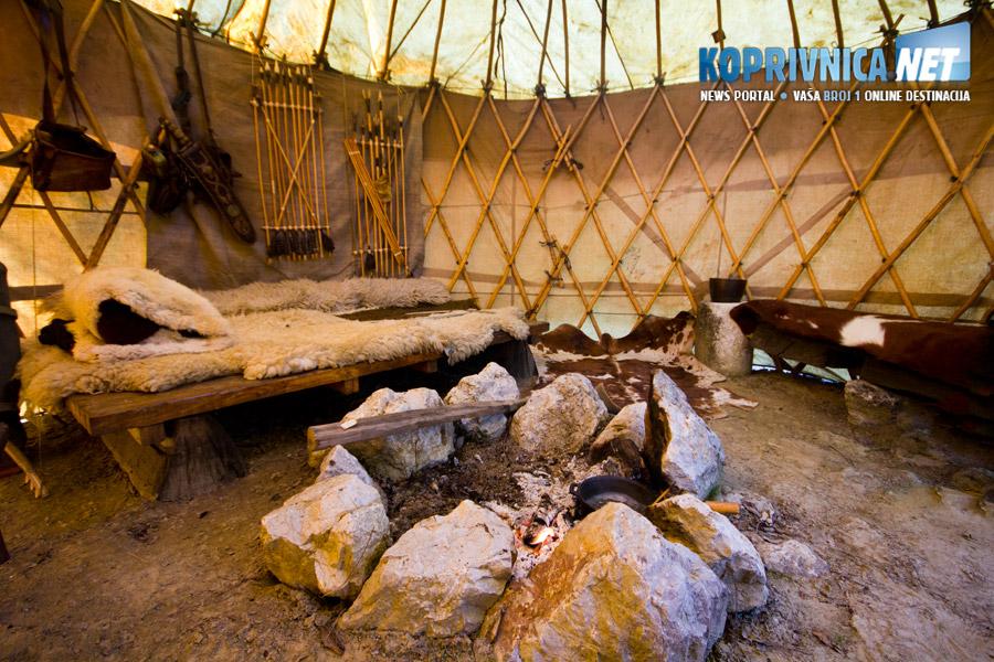 Unutrašnjost šatora je mnogo prostranija nego se izvana na prvi pogled čini // foto: Mario Kos