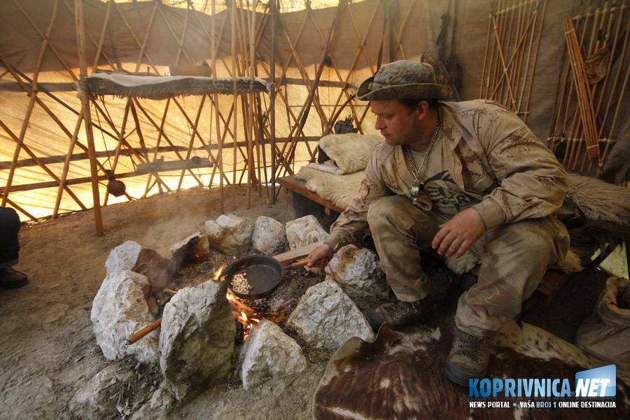 Unutar Jurte odn. mongolskog šatora // foto: Mario Kos