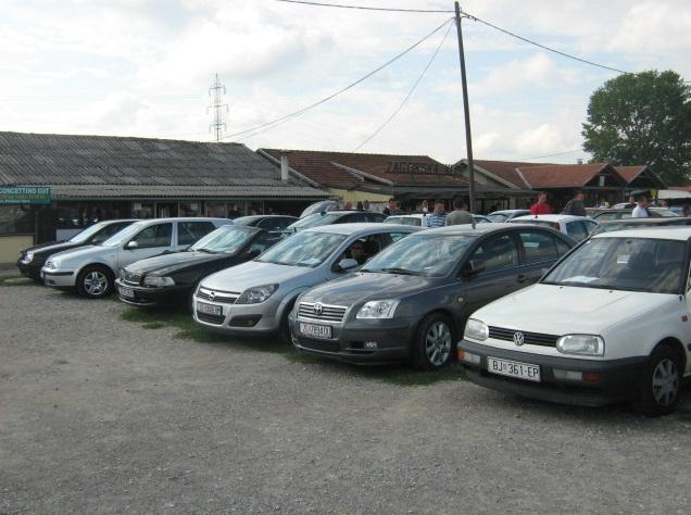 Prodaja automobila na sajmu u Jakuševcu