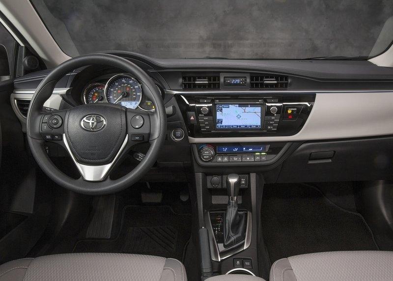 Toyota Corolla (2014) - interijer