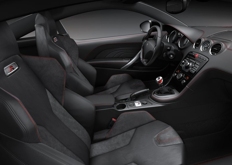 Peugeot RCZ R (2014) interijer