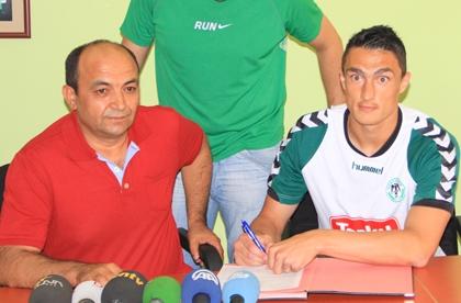 Kokalović potpisuje ugovor s Konyasporom // Foto: www.konyaspor.org.tr