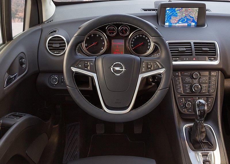 Opel Meriva (2014) interijer