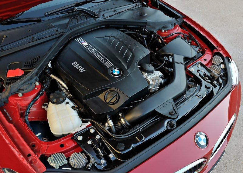 BMW M235i Coupe (2014) motor