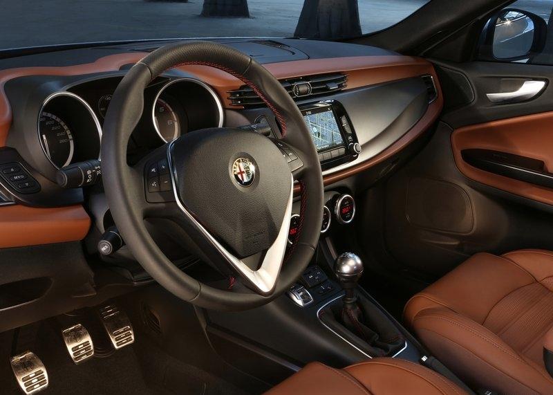Alfa Romeo Giulietta (2014) interijer