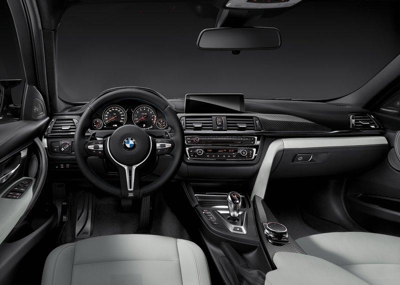 BMW M3 (2015) interijer