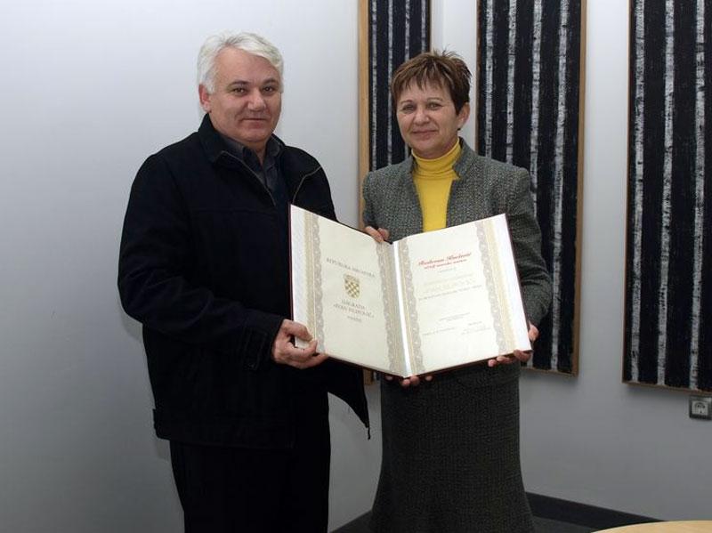 Radovana Kneževića primila je povodom nagrade koprivnička gradonačelnica Vesna Želježnjak // Foto: www.koprivnica.hr
