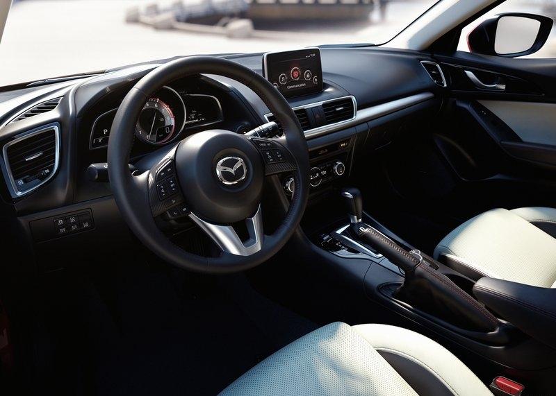 Mazda 3 (2014) interijer