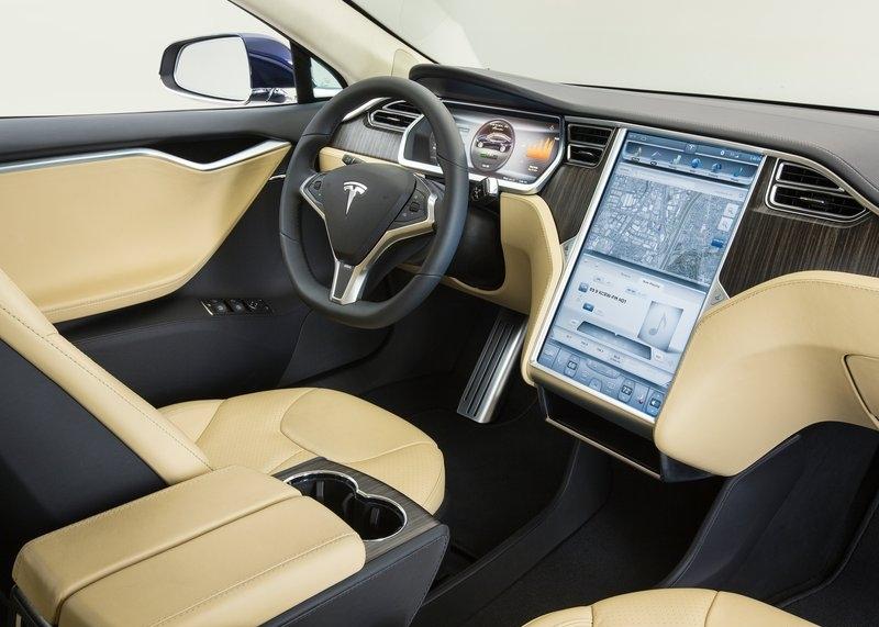 Tesla Model S (2013) interijer