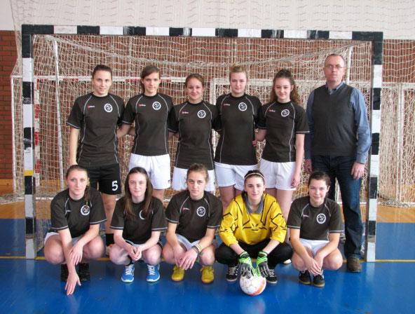 Koprivničke gimnazijalke najbolje u županiji igraju futsal // Foto: Srednja škola Koprivnica