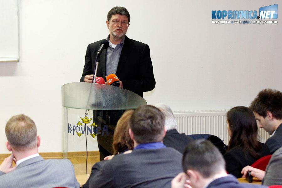 Picula je održao zanimljivo predavanje na Sveučilištu Sjever // Foto: Koprivnica.net