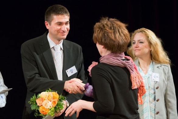 Predsjednik UZOR-a Matija Hlebar prima nagradu u Beču // Foto: SozialMarie