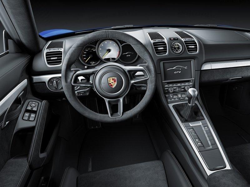 Porsche Cayman GT4 interijer