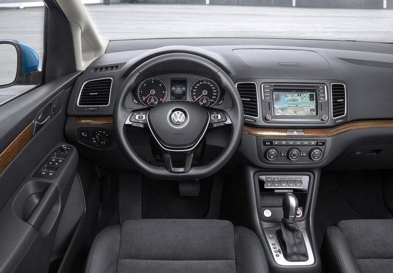 Volkswagen Sharan (2016) interijer