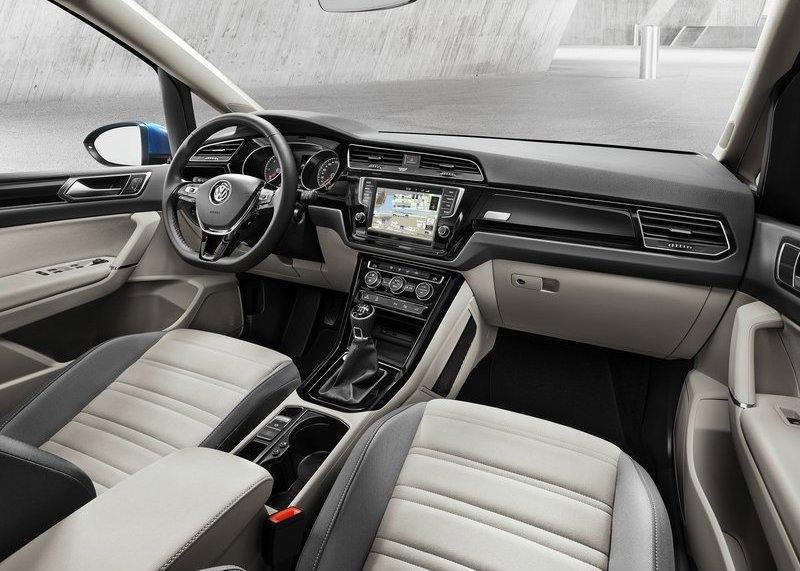Volkswagen Touran 2016 interijer