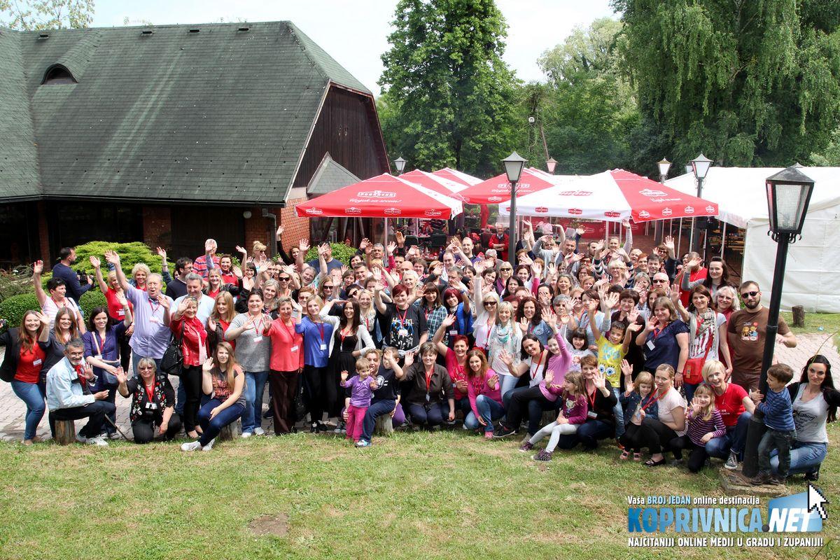 """Oko 150 gostiju iz nekoliko zemalja, korisnika Coolinarike, sudjelovalo je danas u Podravkinu gastronomskom centru Štaglju na sedmom """"Cool okupljanju"""" // foto: Podravka.hr"""
