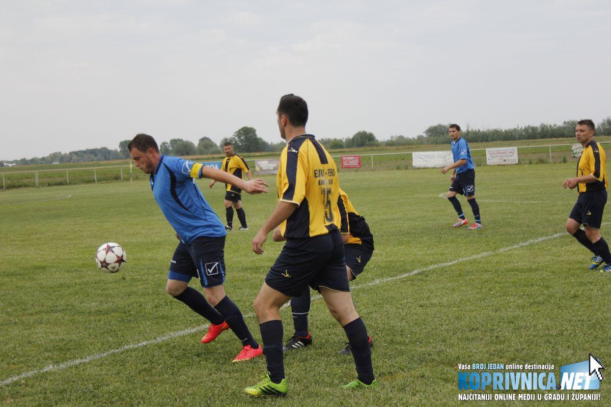 Šolo (plavi dres) je bio prava opasnost za suparnika iz Koprivnice // Foto: Zvonimir Markač