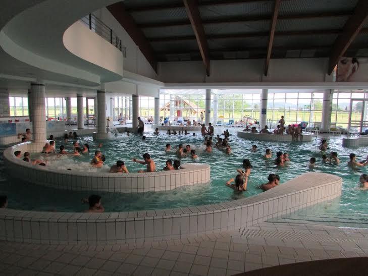 Nedjeljna gužva na koprivničkim bazenima // Foto: Komunalac