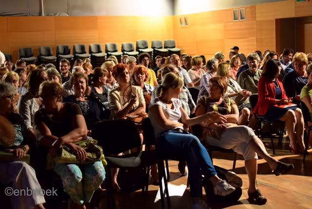Publika na posljednjoj predstavi Ljeta u Ludensu // Foto: Ena Bebek