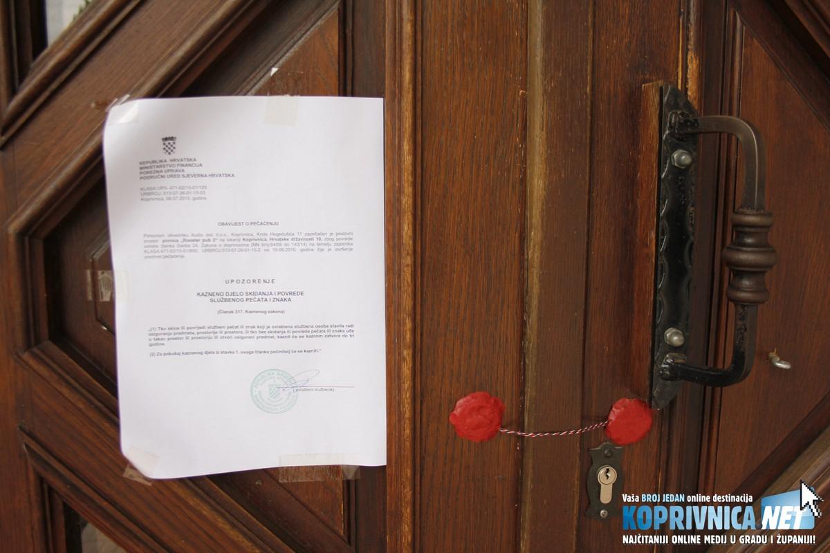 Na vratima koprivničkog Rooster puba u Ulici Hrvatske državnosti obavijest je Porezne uprave // Zvonimir Markač