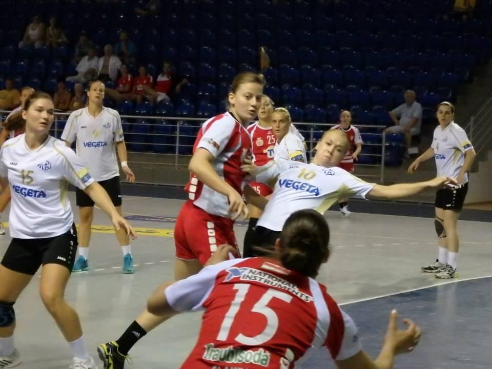 Ekatarina Nemaškalo postigla je četiri pogotka, lijevo je Marijeta Vidak // Foto: RK Podravka - Ivo Čičin-Mašansker
